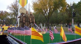 3 Soldiers statue